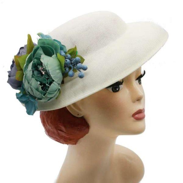 Hattu & Kukkakoriste, MIRANDA's White & Dusty Blue Floral